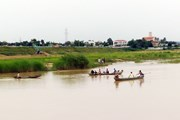 Lật thuyền gỗ tự chế tại Lai Châu khiến 3 người mất tích