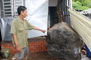 Kiên Giang: Hai tảng đá nặng trên 5 tấn bất ngờ rơi vào nhà dân
