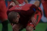 Pepe nôn ngay trên sân sau chiến thắng nghẹt thở ở chung kết