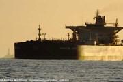 Tàu cá Trung Quốc va chạm với tàu chở dầu, 12 người mất tích