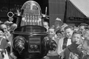 """Mô hình robot trong phim """"Forbidden Planet"""" được bán giá cao kỷ lục"""