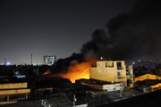 TP.HCM: Cháy lớn ở xưởng nệm mút làm cả khu dân cư hoảng loạn