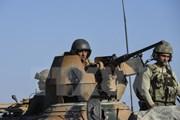 Thổ Nhĩ Kỳ triển khai nhiều khí tài quân sự tới biên giới giáp Syria