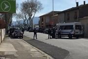 Một người chết trong các vụ nổ súng, bắt cóc con tin ở Pháp