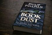 """Tác giả của """"His Dark Materials"""" ra sách mới sau 17 năm """"thai nghén"""""""