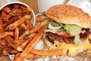 Hàm lượng muối trong món ăn ở các nhà hàng Mỹ cao gấp đôi cho phép