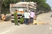Xe máy lao thẳng vào xe ben chở đá, hai người tử vong tại chỗ