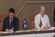 Cuba và Venezuela thỏa thuận hàng chục dự án hợp tác mới