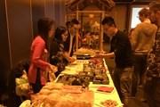 Cộng đồng người Việt Nam tại Hà Lan ăn Tết Nguyên đán đủ sắc màu