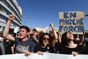 Nước Pháp tiếp tục đương đầu với đợt biểu tình và đình công mới