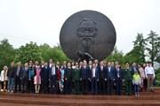 Lễ dâng hương kỷ niệm 128 năm ngày sinh của Bác tại thủ đô Moskva