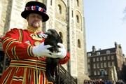 [Video] Những truyền thống mê tín kỳ lạ của Hoàng gia Anh
