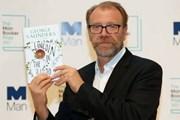 Nhà văn Mỹ George Saunders đoạt giải văn học Man Booker 2017