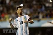 Nhận quà đặc biệt, Messi tuyên bố theo đuổi Cúp vàng tới cùng