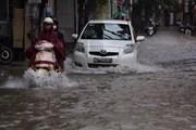 Hà Nội: Ngập sâu tới gần nửa mét tại khu vực quận Thanh Xuân