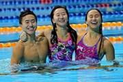 Ba chị em bơi lội của Singapore giành đến 21 huy chương các loại