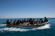 Italy phủ nhận trả tiền để chặn các tàu chở người nhập cư