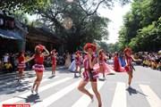 [Photo] Sôi động lễ hội Carnaval nghệ thuật trên phố đi bộ