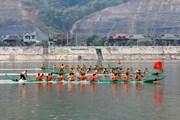 Điện Biên: Tưng bừng lễ hội đua thuyền đuôi én tại Mường Lay