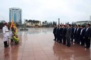 PTT Vương Đình Huệ dâng hoa tưởng nhớ Tổng Bí thư Nguyễn Văn Linh