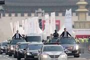 Lãnh đạo Triều Tiên và Tổng thống Hàn Quốc bắt tay nhau