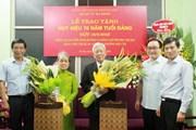 Trao Huy hiệu 70 năm tuổi Đảng tặng các đảng viên cao tuổi