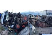 Vụ ôtô tải va chạm xe máy cày kéo rơmoóc: Thêm một nạn nhân tử vong