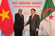 Phó Thủ tướng Phạm Bình Minh hội đàm với Bộ trưởng Ngoại giao Algeria