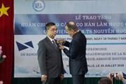 Trao tặng Huân chương Cành cọ Hàn lâm cho PGS-TS Nguyễn Ngọc Điện