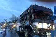 Bình Thuận: Lật xe khách giường nằm, 2 người chết, 7 người bị thương