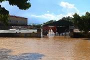 Nước lũ lên nhanh, nhiều xã ở Nghệ An đang ngập nặng