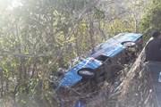 Bà Rịa-Vũng Tàu: Xe khách lao xuống vực, 23 hành khách thoát chết