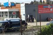 Pháp bắt giữ nghi can liên quan đến vụ bắt cóc con tin ở siêu thị