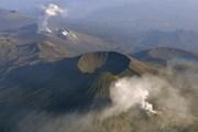 Nhật Bản: Núi lửa lo thuộc cụm núi lửa Kirishima phun trở lại