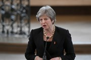 Thủ tướng Anh bác tin nước này sẽ ở lại liên minh hải quan EU