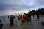 Ít nhất 13 người thiệt mạng và mất tích trong vụ lật tàu ở Indonesia