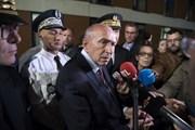 Bộ trưởng Nội vụ Pháp trần tình vụ bê bối trợ lý an ninh Tổng thống