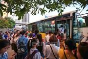 20% hành khách làm ngơ khi thấy các em gái bị quấy rối trên xe buýt