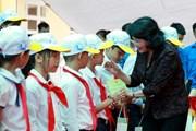 Hà Nội: Trao học bổng và 27.000 hộp sữa cho trẻ em huyện Chương Mỹ