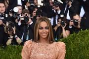 Beyonce là nữ nghệ sỹ kiếm tiền giỏi nhất làng nhạc thế giới năm 2017