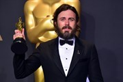 Casey Affleck không lên trao giải Oscar vì quá khứ quấy rối tình dục
