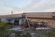 [Video] Lật 6 toa tàu hỏa ở Thanh Hóa, 8 người thương vong