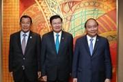 Thủ tướng tiếp xúc song phương bên lề hội nghị ACMECS 8 và CLMV 9