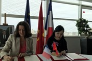 Việt-Pháp ký kết nhiều văn kiện hợp tác trong lĩnh vực y tế