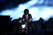 [Video] Tổng thống Indonesia 'biểu diễn' còn hơn cả siêu sao hành động
