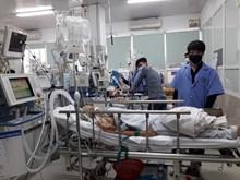 Khoa cấp Cứu Bệnh viện Bạch Mai chật kín giường bệnh sau nghỉ Tết