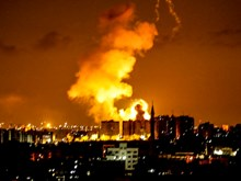 Israel tiếp tục không kích Dải Gaza bất chấp lệnh ngừng bắn