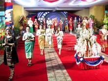 Hơn 500 lưu học sinh Lào đón Tết cổ truyền Bunpimay ấm áp ở Huế