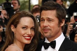 Những cột mốc đáng nhớ trong cuộc tình Angelina Jolie-Brad Pitt