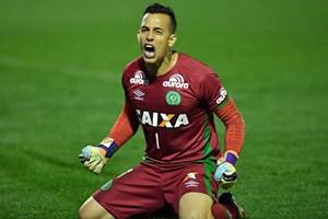Brazil tôn vinh thủ môn Chapecoense qua đời sau vụ rơi máy bay
